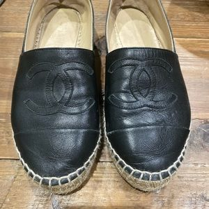 Blk leather channel loafer